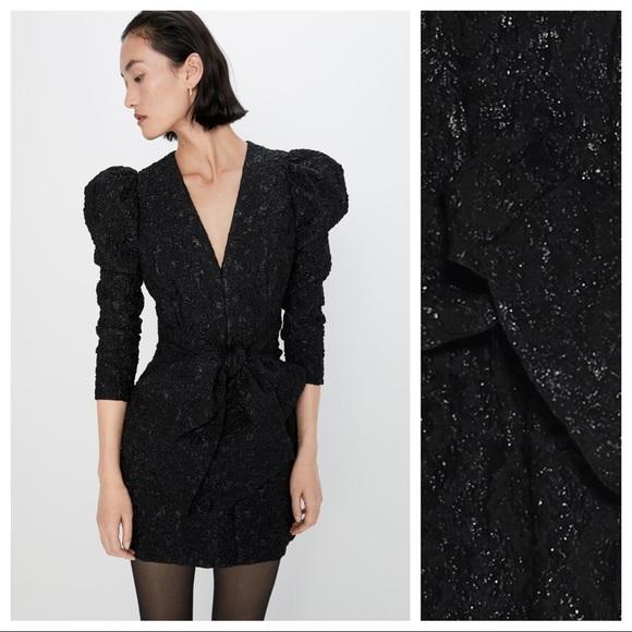 NWT Zara SHORT V NECK MINI DRESS WITH BOW ON BACK BLACK  Size S #C263